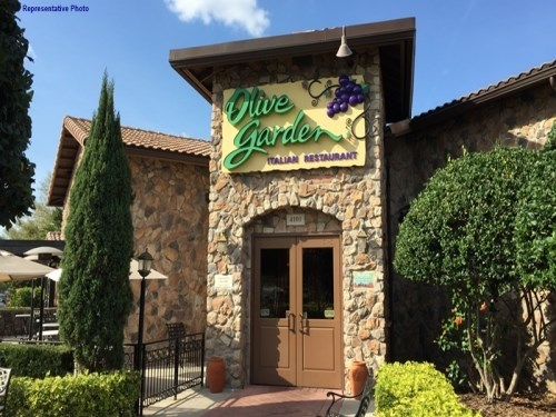 Join the happy hour at olive garden italian restaurant in - Olive garden crispy risotto bites ...