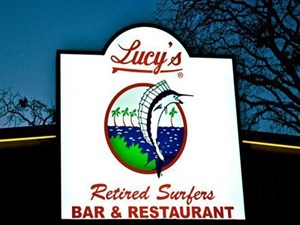 Lucy's Retired Surfers Bar and Restaurant