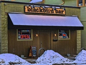 Blackbird Bar