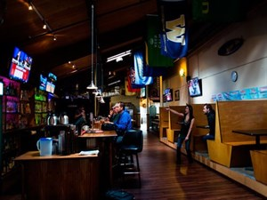 Sidelines Grill & Sports Bar