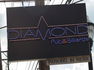 Diamond Pub & Billiards