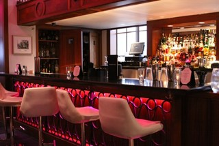 Join the happy hour at marq vii lounge in minneapolis mn 55402 for The living room minneapolis mn