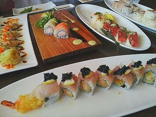 Join the happy hour at sushi nikko in houston tx 77077 for Aka japanese cuisine houston tx