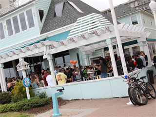 Join the happy hour at catch 31 fishhouse and bar in for Atlanta fish house and grill
