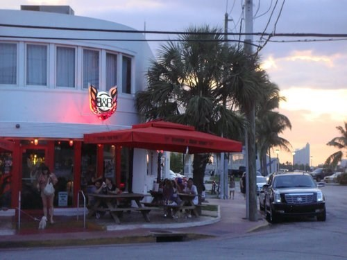 Join The Happy Hour At Burger Beer Joint In Miami Fl 33130