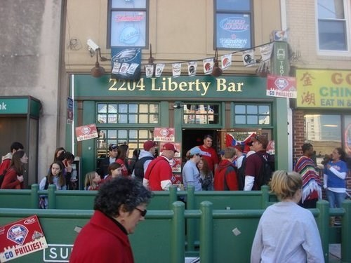 Join The Happy Hour At Liberty Bar Grill In Philadelphia Pa 19103