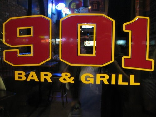 Join The Happy Hour At 901 Bar Grill In Los Angeles CA 90007