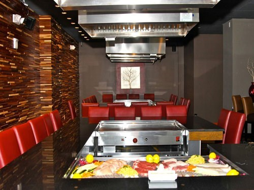 Join The Happy Hour At Teppan Bar Hibachi In Jersey City NJ - Teppan table