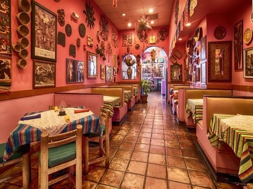 Join The Happy Hour At Paquitos Mexican Restaurant In Miami
