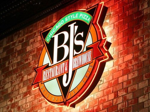 Join The Happy Hour At Bj S Restaurant And Brewery In Sacramento Ca