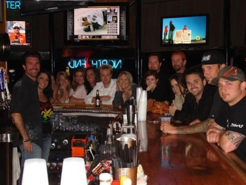 Join The Happy Hour At North End Bar Amp Grill In Hermosa