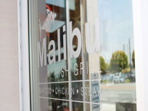 Join the Happy Hour at Malibu Fish Grill in Los Angeles, CA