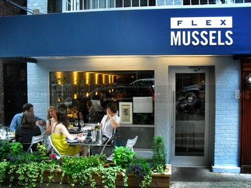 Join The Happy Hour At Flex Mussels In New York Ny 10028