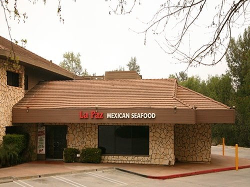 Join The Happy Hour At La Paz Meixcan Seafood In Calabasas